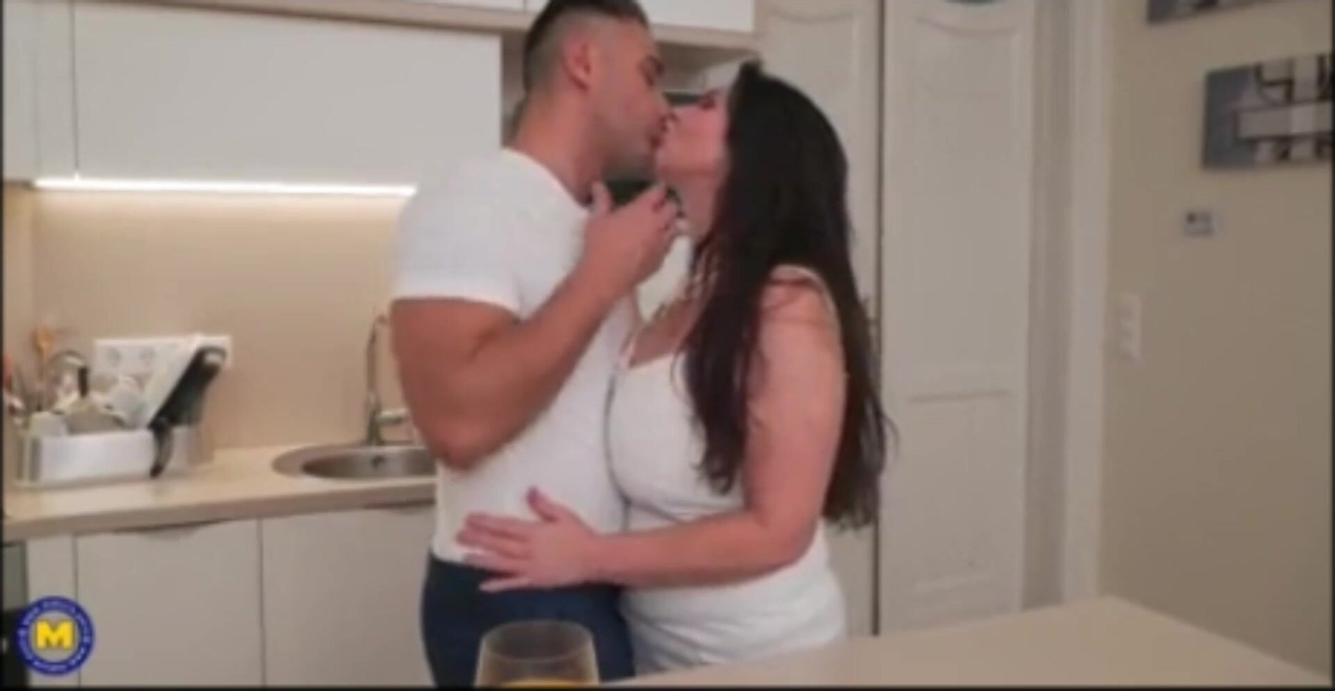 Seduced the fat woman to his wife Banana and fucked